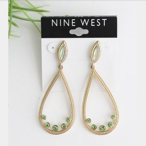 NWT NINE WEST GREEN/GOLD DROP EARRINGS